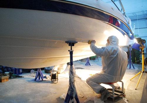 как перевернуть лодку для покраски